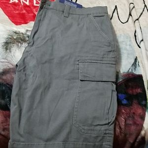 Croft & Barrow mens cargo shorts never worn